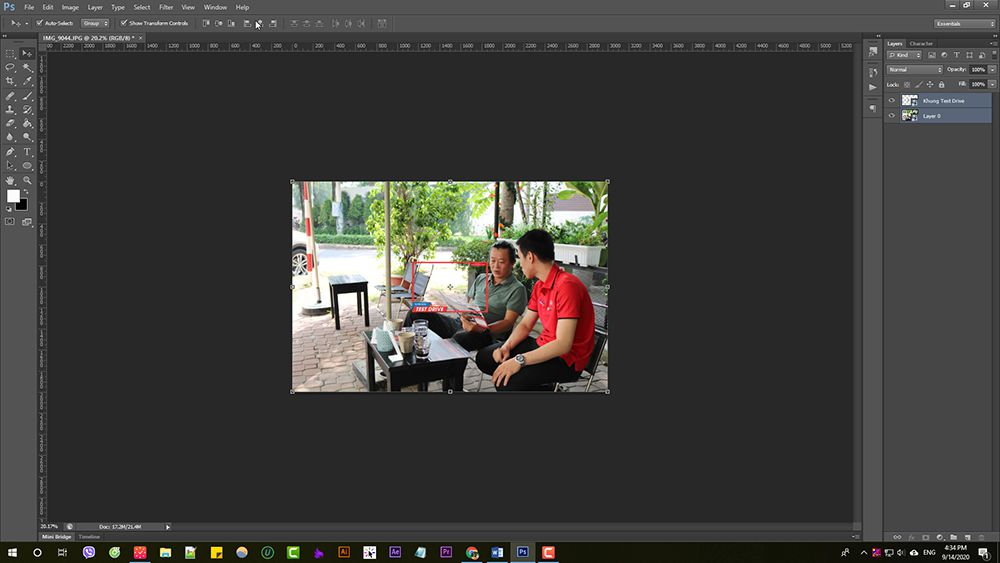 Cach-chen-khung-cho-hang-loat-anh-Photoshop-action (5)